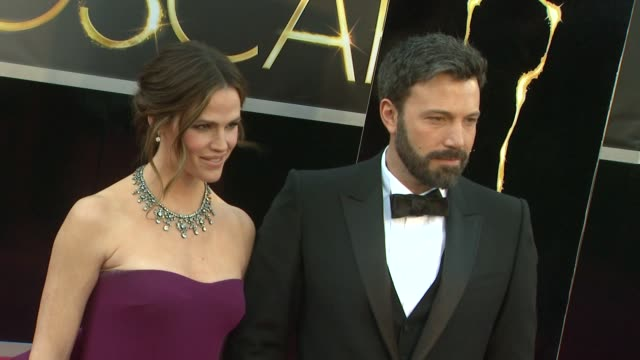 jennifer garner ben affleck at 85th annual academy awards arrivals on 2/24/13 in los angeles ca - ben affleck stock videos & royalty-free footage