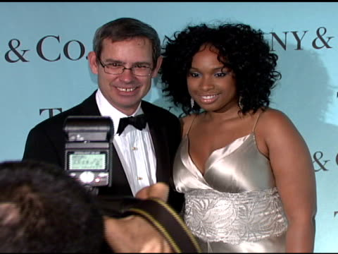 jennifer hudson and guest at the tiffany & co - launch of the 2008 blue book collection at the american museum of natural history in new york, new... - ジェニファー・ハドソン点の映像素材/bロール