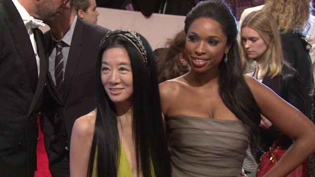 jennifer hudson and vera wang at the 'alexander mcqueen savage beauty' costume institute gala at the metropolitan museum of art at new york ny - jennifer hudson stock videos & royalty-free footage