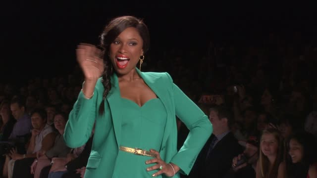 jennifer hudson at project runway - runway - spring 2013 - mercedes-benz fashion week at the theatre at lincoln center on september 07, 2012 in new... - jennifer hudson stock videos & royalty-free footage