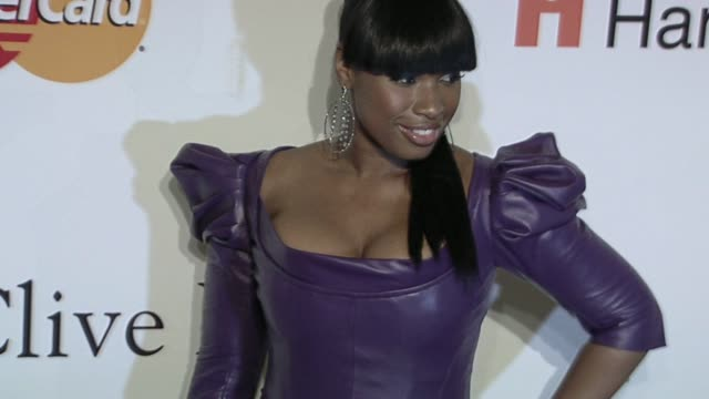 jennifer hudson at the the recording academy & clive davis present the 2010 pre-grammy gala at beverly hills ca. - ジェニファー・ハドソン点の映像素材/bロール