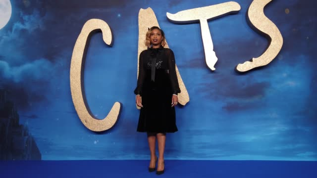 """jennifer hudson attends the """"cats"""" photocall at the corinthia hotel on december 13, 2019 in london, england. - ジェニファー・ハドソン点の映像素材/bロール"""