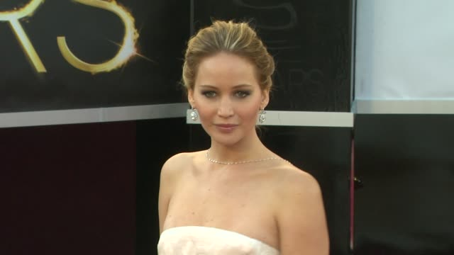 jennifer lawrence at 85th annual academy awards - arrivals 2/24/2013 in hollywood, ca. - academy awards stock-videos und b-roll-filmmaterial