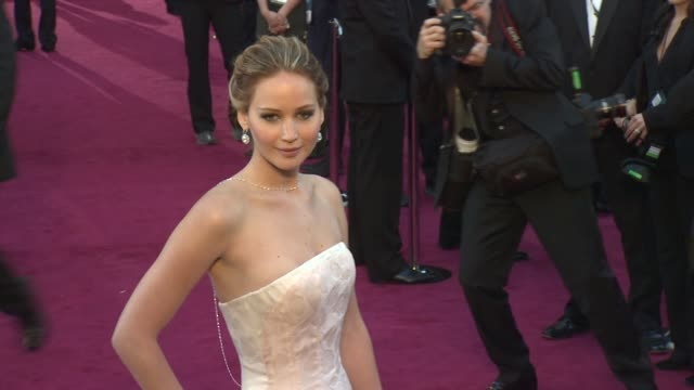 stockvideo's en b-roll-footage met jennifer lawrence at 85th annual academy awards - arrivals on 2/24/13 in los angeles, ca . - academy awards
