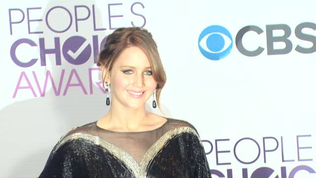 jennifer lawrence at people's choice awards 2013 press room on 1/9/2013 in los angeles ca - people's choice awards stock videos & royalty-free footage
