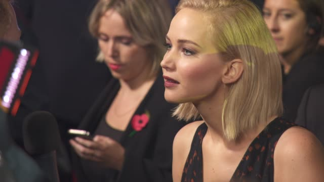 jennifer lawrence at 'the hunger games mockingjay part 2' uk film premiere at odeon leicester square on november 05 2015 in london england - 2015 stock-videos und b-roll-filmmaterial