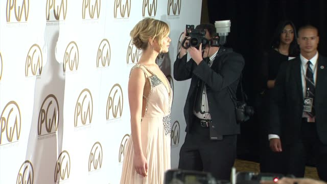 vidéos et rushes de jennifer lawrence, jon feltheimer at 26th annual producers guild awards in los angeles, ca 1/24/15 - producer's guild of america awards