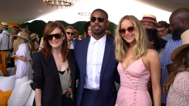jennifer lawrence julianne moore michael b jordan andrew rannells and guests at liberty state park on june 01 2019 in jersey city new jersey - ジャージーシティ点の映像素材/bロール