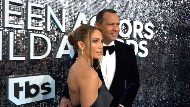 jennifer lopez, alex rodriguez at the 26th annual screen actorsguild awards - red carpet roaming at the shrine auditorium on january 19, 2020 in los... - jennifer lopez stock videos & royalty-free footage