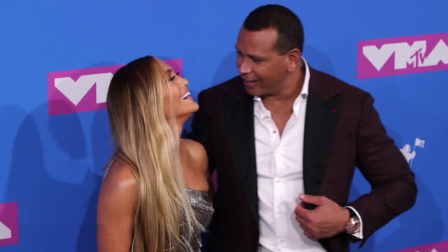 vídeos de stock e filmes b-roll de jennifer lopez and alex rodriguez at 2018 mtv video music awards at radio city music hall on august 20 2018 in new york city - prémios mtv video music awards