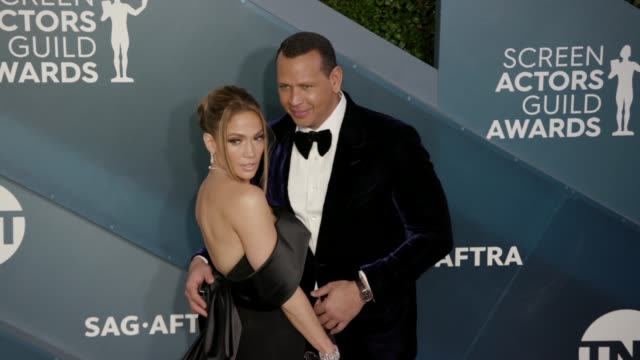 jennifer lopez and alex rodriguez at the 26th annual screen actors guild awards arrivals at the shrine auditorium on january 19 2020 in los angeles... - 映画俳優組合点の映像素材/bロール