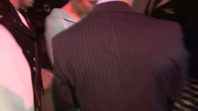 stockvideo's en b-roll-footage met jennifer lopez and casper smart arrive at craig's in west hollywood celebrity sightings in los angeles on may 20 2014 in los angeles california - jennifer lopez