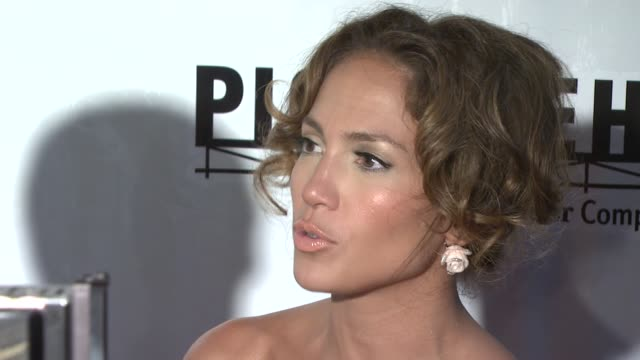 jennifer lopez and marc anthony at the 'el cantante' new york premiere at amc theatres at 42nd street in new york, new york on july 26, 2007. - 42nd street stock videos & royalty-free footage
