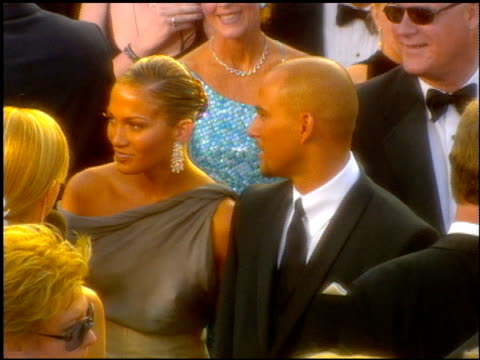 jennifer lopez at the 2001 academy awards at the shrine auditorium in los angeles california on march 25 2001 - academy awards stock videos & royalty-free footage