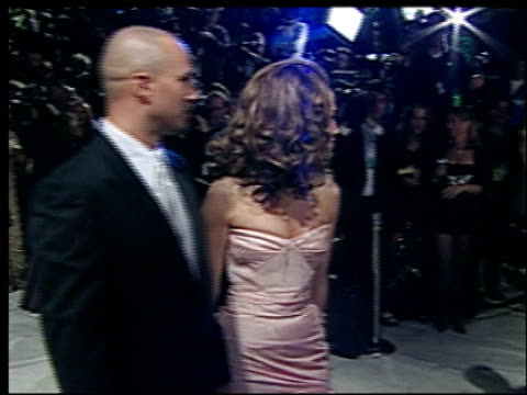 jennifer lopez at the 2002 academy awards vanity fair party at morton's in west hollywood california on march 24 2002 - オスカーパーティー点の映像素材/bロール
