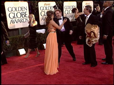 vídeos de stock, filmes e b-roll de jennifer lopez at the 2004 golden globe awards at the beverly hilton in beverly hills, california on january 25, 2004. - golden globes