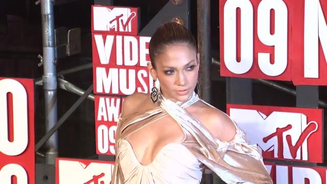jennifer lopez at the 2009 mtv video music awards at new york ny - mtv video music awards stock videos & royalty-free footage