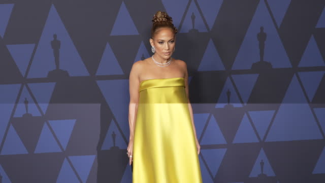 jennifer lopez at the 2019 governors awards on october 26 2019 in hollywood california - ジェニファー・ロペス点の映像素材/bロール