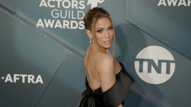 jennifer lopez at the 26th annual screen actors guild awards arrivals at the shrine auditorium on january 19 2020 in los angeles california - 映画俳優組合点の映像素材/bロール