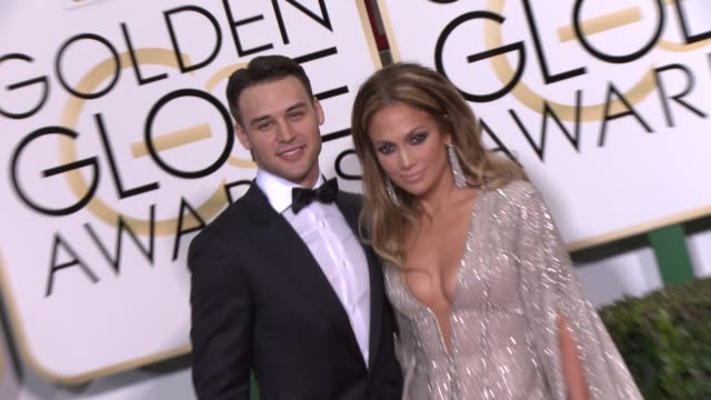 vidéos et rushes de jennifer lopez at the 72nd annual golden globe awards - arrivals at the beverly hilton hotel on january 11, 2015 in beverly hills, california. - the beverly hilton hotel