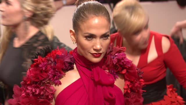 stockvideo's en b-roll-footage met jennifer lopez at the 'alexander mcqueen savage beauty' costume institute gala at the metropolitan museum of art at new york ny - jennifer lopez