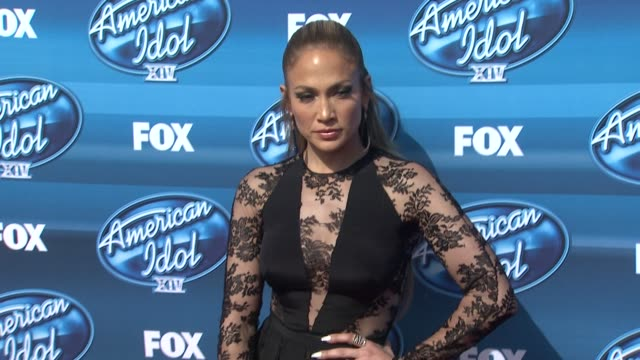 vídeos y material grabado en eventos de stock de jennifer lopez at the american idol xiv grand finale arrivals at dolby theatre on may 13 2015 in hollywood california - american idol