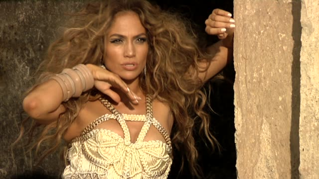 jennifer lopez at the i'm into you music video shoot at chichenitza - jennifer lopez stock videos & royalty-free footage