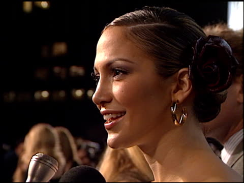 jennifer lopez at the premiere of 'the wedding planner' on january 23 2001 - ジェニファー・ロペス点の映像素材/bロール