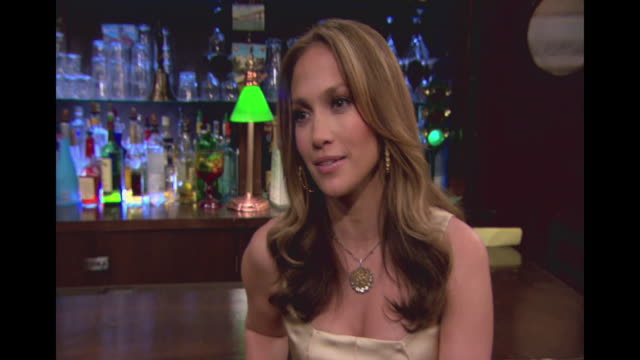 jennifer lopez guest stars on the cbs comedy how i met your mother - ニール・パトリック・ハリス点の映像素材/bロール