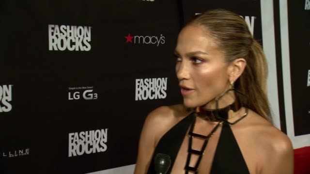 interview jennifer lopez on the mix of music and fashion at fashion rocks 2014 at barclays center on september 09 2014 in new york city - ジェニファー・ロペス点の映像素材/bロール