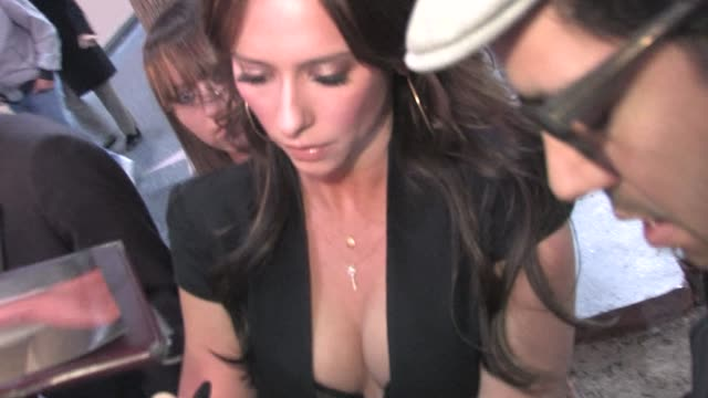 jennifer love hewitt arrives at pantages theatre in hollywood at the celebrity sightings in los angeles at los angeles ca - jennifer love hewitt stock videos & royalty-free footage