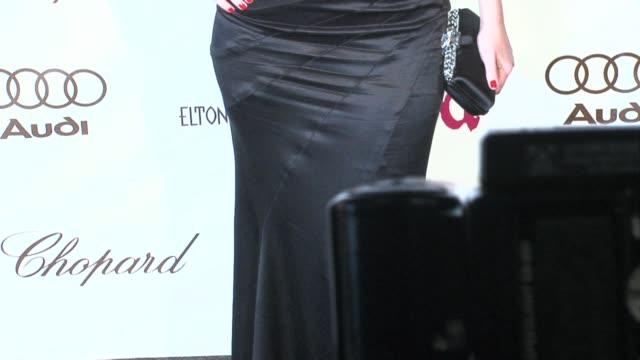 vídeos de stock e filmes b-roll de jennifer love hewitt at the 14th annual elton john aids foundation oscar party co-hosted by audi, chopard and vh1 at the pacific design center in... - festa do óscar
