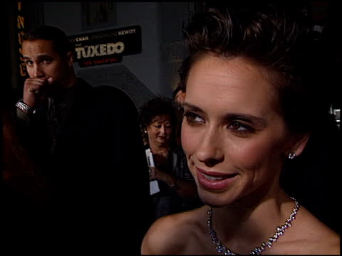 jennifer love hewitt at the premiere of 'the tuxedo' at grauman's chinese theatre in hollywood california on september 19 2002 - jennifer love hewitt stock videos & royalty-free footage