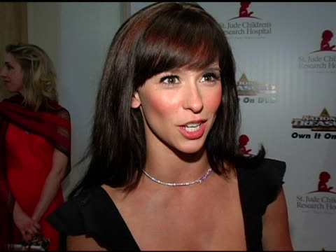 jennifer love hewitt at the st jude 3rd annual 'runway for life' on may 1 2005 - jennifer love hewitt stock videos & royalty-free footage