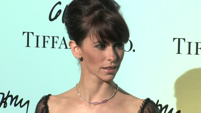 jennifer love hewitt at the tiffany co celebrates the launch of frank gehry's premiere collection on rodeo drive at tiffany co in beverly hills... - jennifer love hewitt stock videos & royalty-free footage