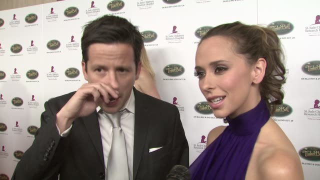 jennifer love hewitt ross mccall hewitt love at the 5th annual runway for life benefiting st jude children's research hospital at los angeles ca - jennifer love hewitt stock videos & royalty-free footage