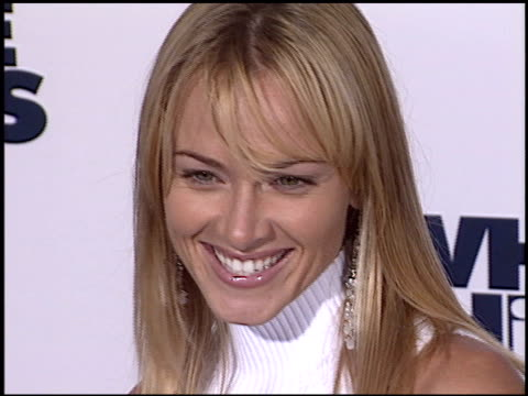 jennifer o'dell at the 'white chicks' premiere on june 16 2004 - 2004 stock-videos und b-roll-filmmaterial