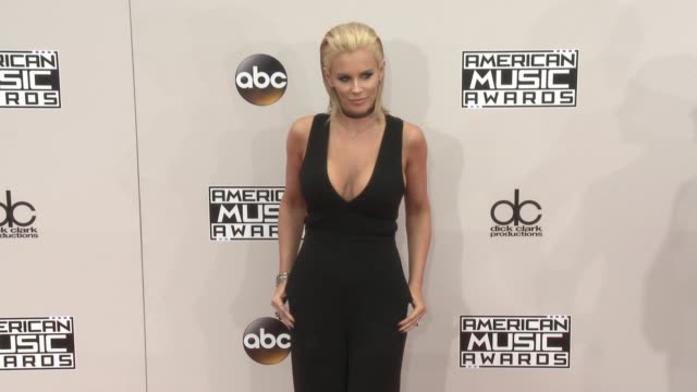 jenny mccarthy at 2016 american music awards at microsoft theater on november 20 2016 in los angeles california - 2016 american music awards stock videos and b-roll footage