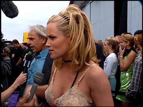 Jenny Mccarthy At The 1997 Mtv Movie Awards At Barker Hanger In Santa Monica California On
