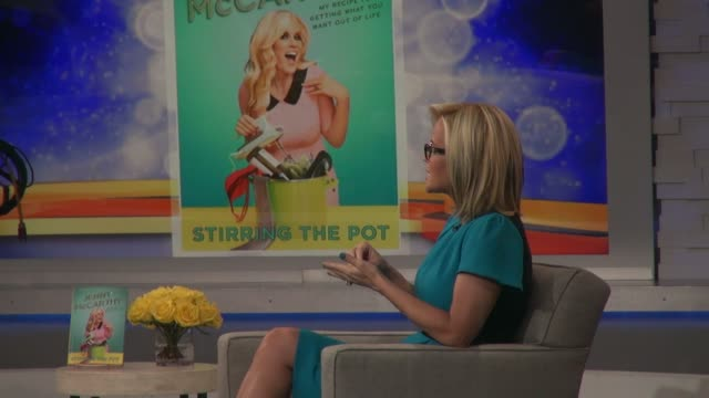 """jenny mccarthy talking about her new book """"stirring the pot"""" on the good morning america show in celebrity sightings in new york, - ジェニー・マッカーシー点の映像素材/bロール"""