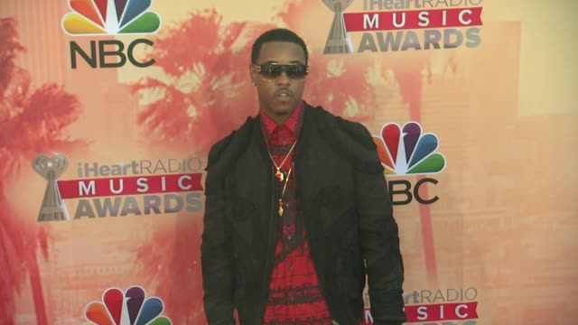 vídeos de stock, filmes e b-roll de jeremih at the 2015 iheartradio music awards red carpet arrivals at the shrine auditorium on march 29 2015 in los angeles california - shrine auditorium