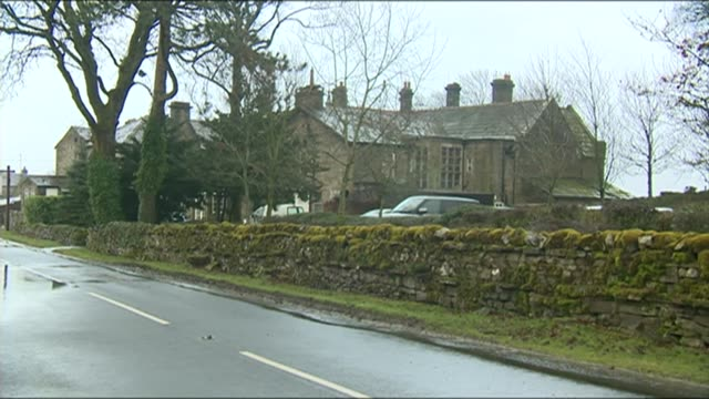 jeremy clarkson apologises to producer lib yorkshire hawes ext simonstone hall hotel - jeremy clarkson stock videos & royalty-free footage