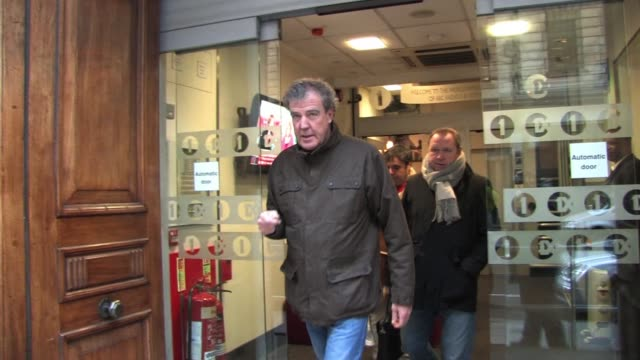 jeremy clarkson leaves radio one after visiting the chris moyles breakfast show celebrity sightings jeremy clarkson at bbc radio one on december 10... - jeremy clarkson stock videos & royalty-free footage