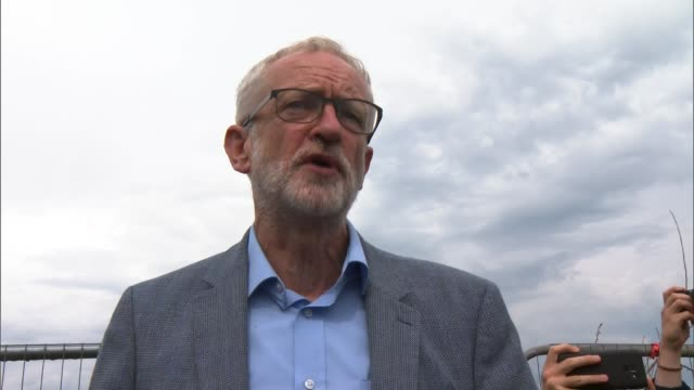jeremy corbyn attends anti-fracking protest in blackpool; england: lancashire: blackpool: ext jeremy corbyn mp addressing anti-fracking protesters /... - protesta anti fracking video stock e b–roll