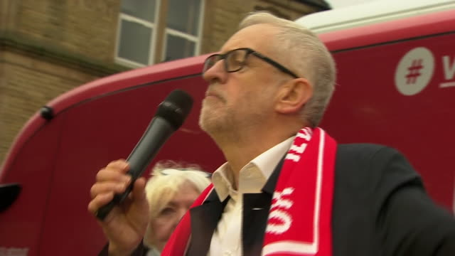 """jeremy corbyn encouraging supporters in lancashire to """"knock on doors"""" and they will get """"an early christmas present"""" - door stock videos & royalty-free footage"""