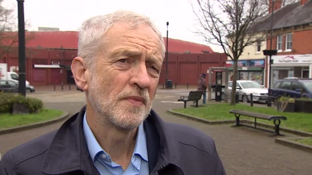 vídeos y material grabado en eventos de stock de buckinghamshire milton keynes ext jeremy corbyn mp interview sot part 2 of 2 - buckinghamshire