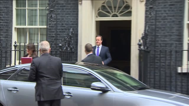 jeremy corbyn interview on benefit cap and using autocue; downing street: ext david cameron mp from number 10 and into car - teleprompter stock videos & royalty-free footage