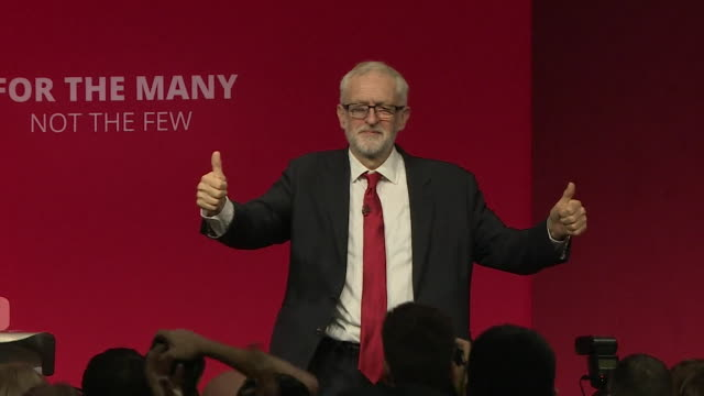 jeremy corbyn, labour leader, giving thumbs up and waving after his party conference speech in brighton - thumb stock videos & royalty-free footage