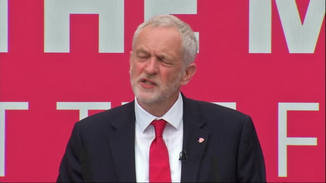 jeremy corbyn saying every other country in the world says 'why does britain invest so little and allow such grotesque levels of inequality to get... - altri temi video stock e b–roll