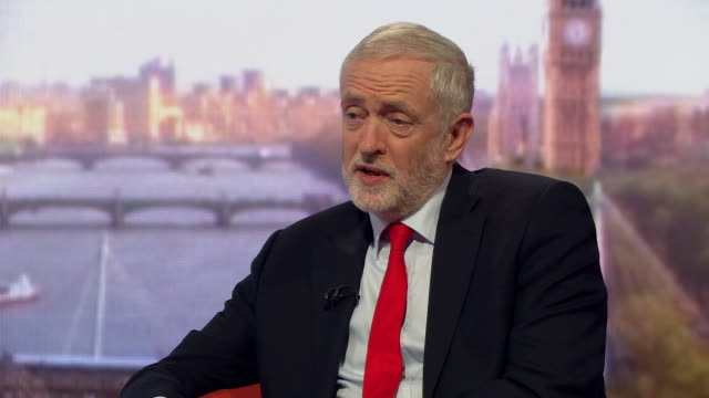 jeremy corbyn saying he is angry and fed up with people in britain living in poverty homelessness the housing crisis and student debt - 住宅問題点の映像素材/bロール